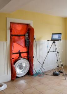 Luftdichtheitsmessung (Blower Door) bei Energieberatung Huber